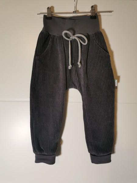 Baggypants mit Taschen und Kordel